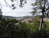 Pohled na brněnské výstaviště z cyklistické trasy