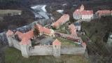 NÁZORNÁ ukázka vzletu DRONU DJI Mini 2 nad krásným hradem